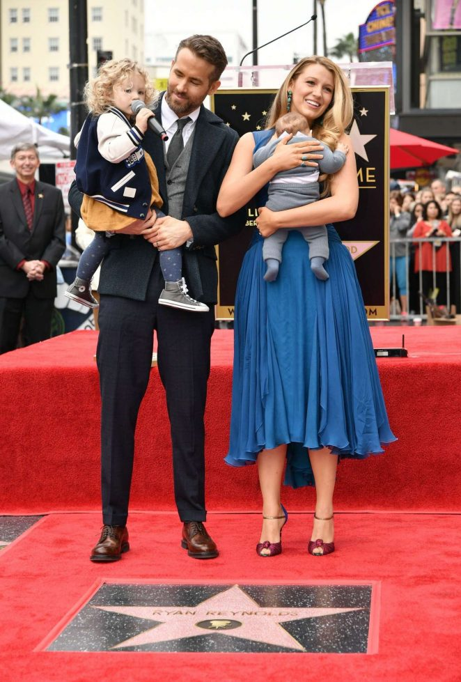 Blake-Lively–Ryan-Reynolds-honored-with-star-on-The-Hollywood-Walk-of-Fame–26-662×979